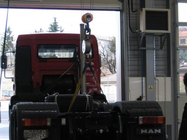 Avto Hribar, servis tovornih vozil