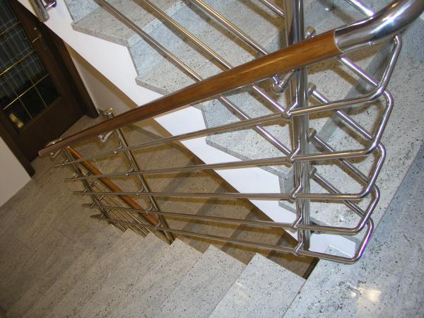 F.E.R. - MONT, inox ograje, stopnišča in ostala kovinska galanterija