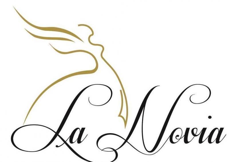 Lanovia, Prodaja in oddaja poročnih in elegantnih oblačil, Nataša Gerold s.