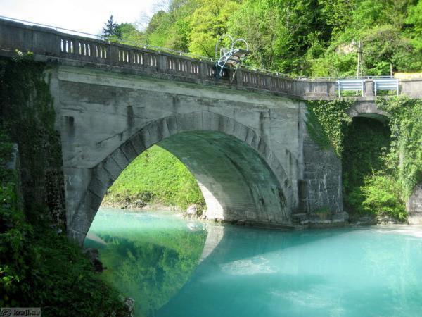 Oddajanje sob, Most na Soči