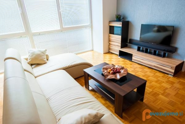 Apartma 12
