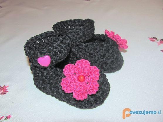 Ročno pleteni copatki za otroke