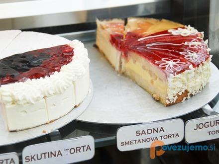 Slaščičarna in kavarna rendez vous carniola