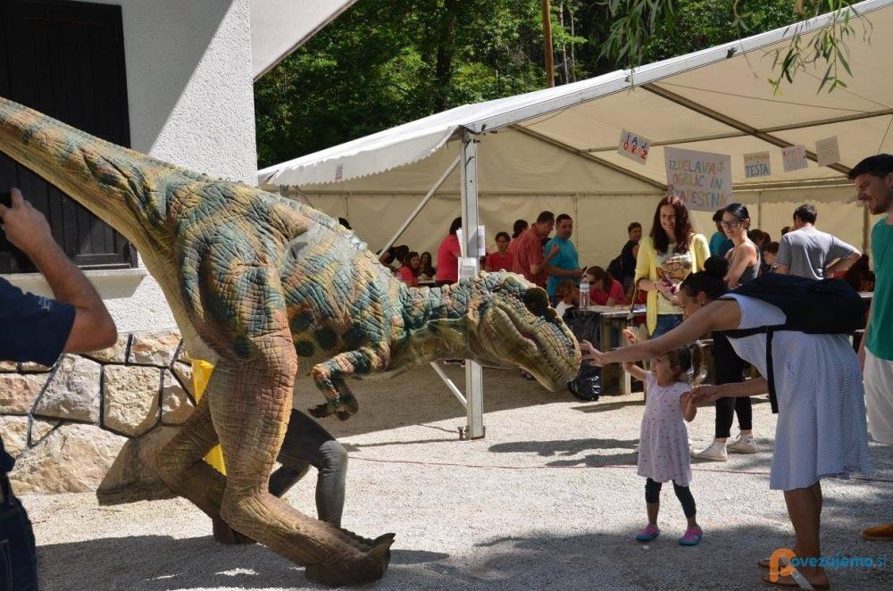 Live Dinosaur, lutkovne predstave in prireditve, Matic Mikec s.p.