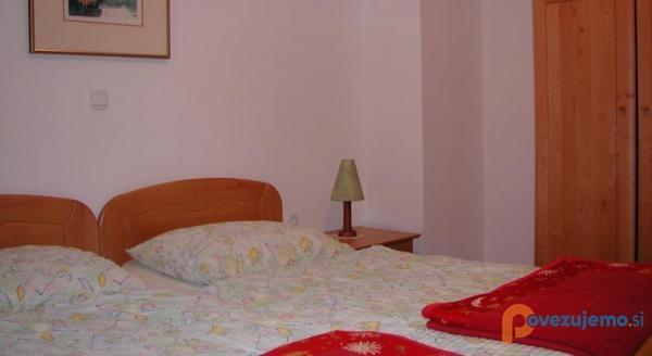 Apartmaji in sobe Jaka