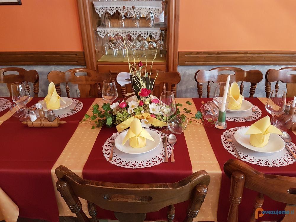 Okrepčevalnica in catering Pr' Padkejc, Nataša Razpet s.p.