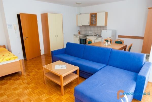 Apartma 8
