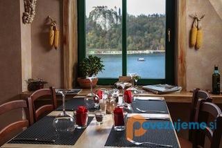 vila-ajda-restavracija-in-apartmaji