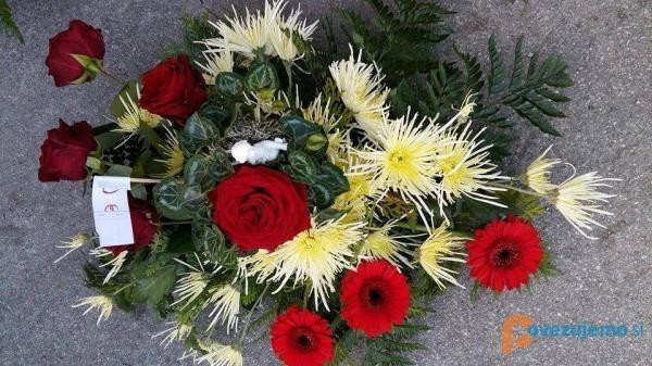Cvetličarna in svečarstvo Vrtnica, Merkač Tatjana s.p.